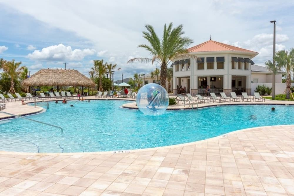 Resortwoning, 5 slaapkamers, privézwembad - Buitenzwembad