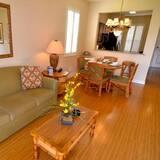 ทาวน์โฮม, 4 ห้องนอน, ห้องครัว - พื้นที่นั่งเล่น