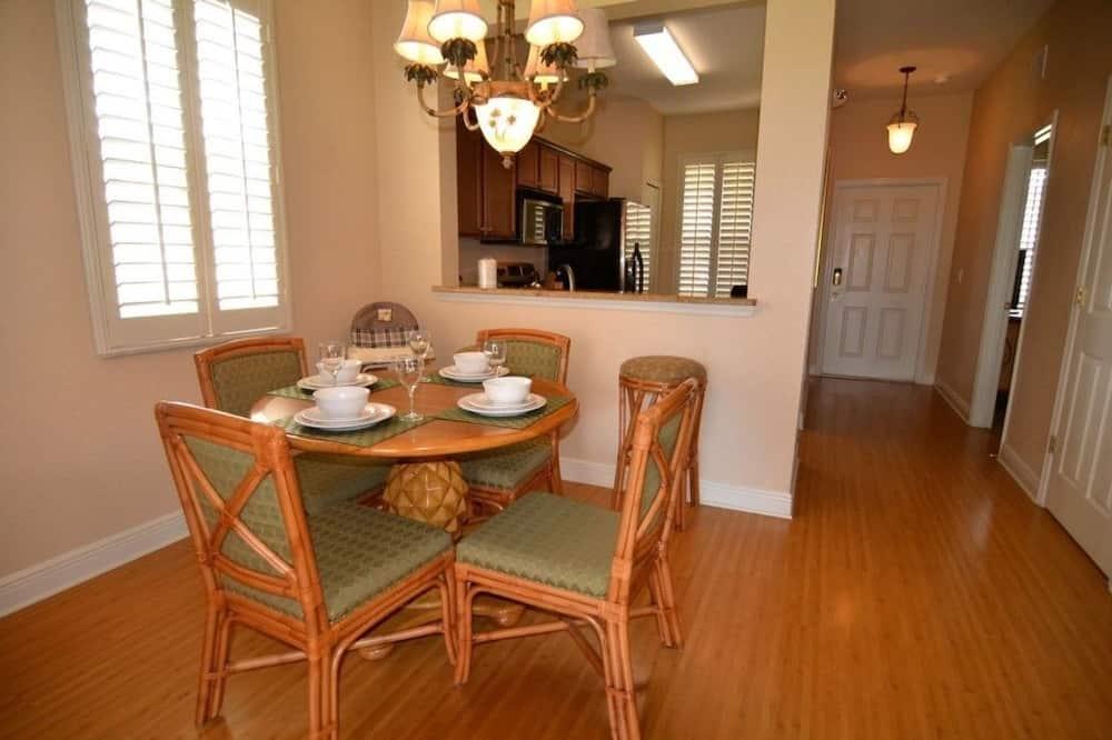 ทาวน์โฮม, 4 ห้องนอน, ห้องครัว - บริการอาหารในห้องพัก
