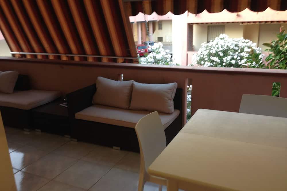 อพาร์ทเมนท์, หลายเตียง - ระเบียง