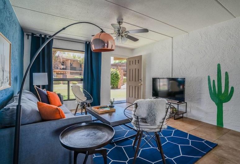3BR Pool Scottsdale by Wanderjaunt, סקוטסדייל, דירה, 3 חדרי שינה, 2 חדרי רחצה, סלון