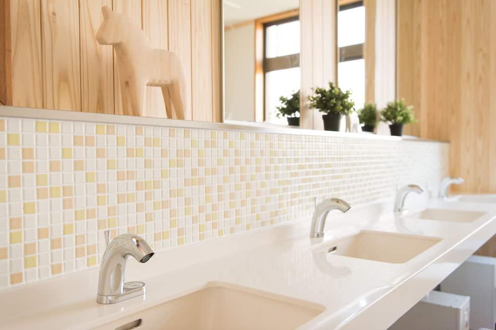 Gemeinsamer Schlafsaal, Gemischter Schlafsaal (16 People) - Waschbecken im Bad