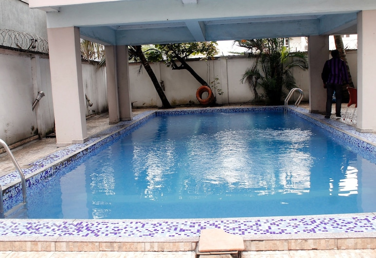 Paloma Hotels, Port Harcourt, Piscina