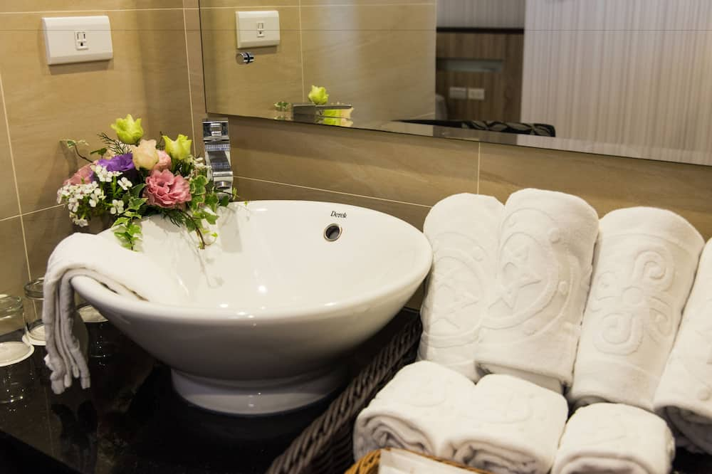 Classic Τετράκλινο Δωμάτιο - Μπάνιο