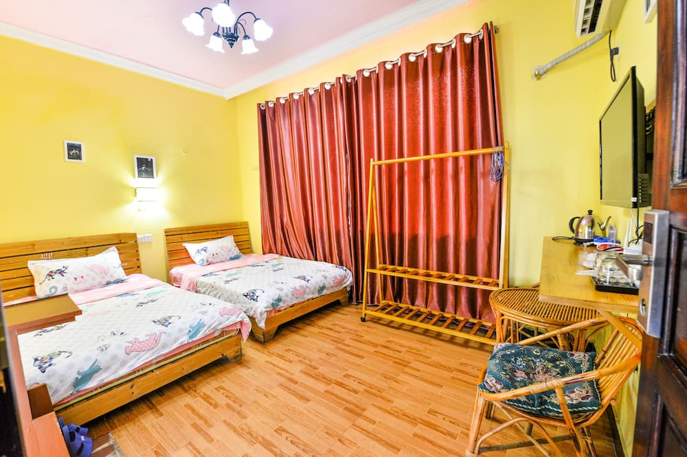Economy Twin Room - Living Room