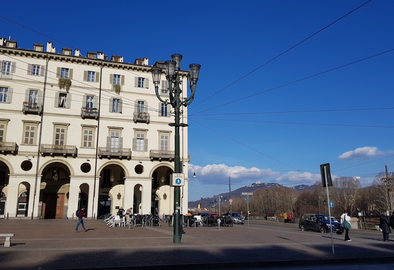 Vittorio 21, Turín