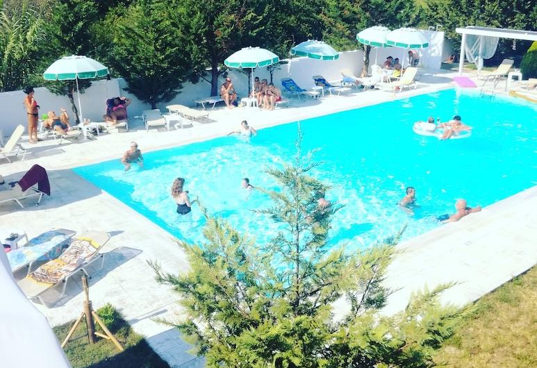 蘇珊酒店, 科孚島, 室外泳池