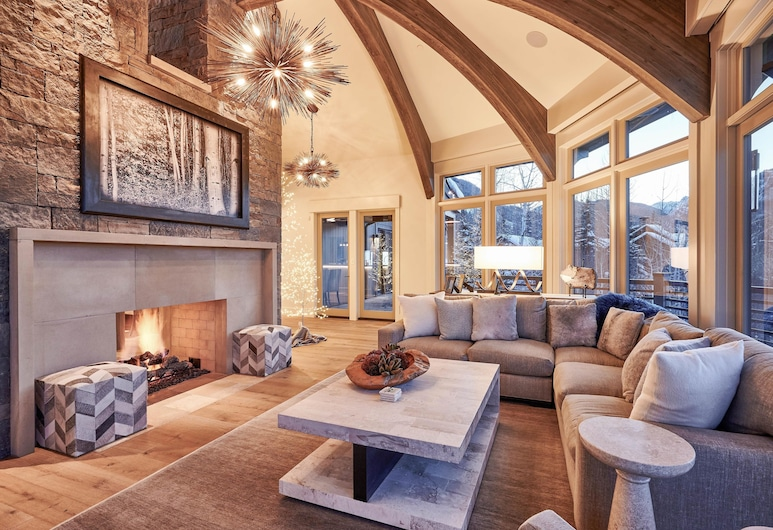 As Featured In Luxe Magazine Ski-in/out W/ Hot Tub 5 Bedroom Home, Aspen