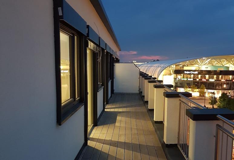 โรงแรมไรน์ซิตี้, ลุดวิกสฮาเฟิน, ห้องสวีท, ระเบียง, ลานระเบียง/นอกชาน