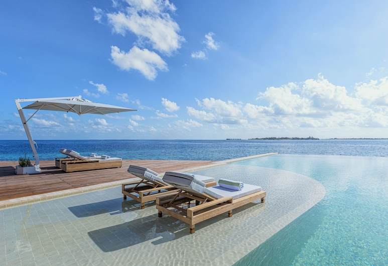 Kudadoo Maldives Private Island– Luxury All inclusive, Kudadoo, Pool