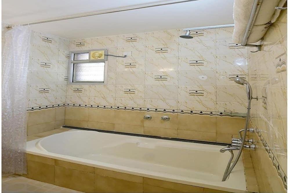 Classic-Doppelzimmer, Nichtraucher, eigenes Bad - Badezimmer