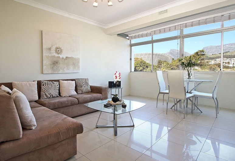 Sandringham IV, Cape Town, Economy Apartment, 1 Bedroom, Mountain View, Living Area