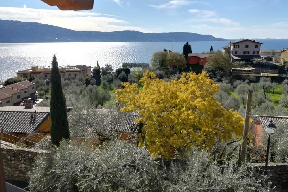 Quang cảnh nhìn từ nơi lưu trú