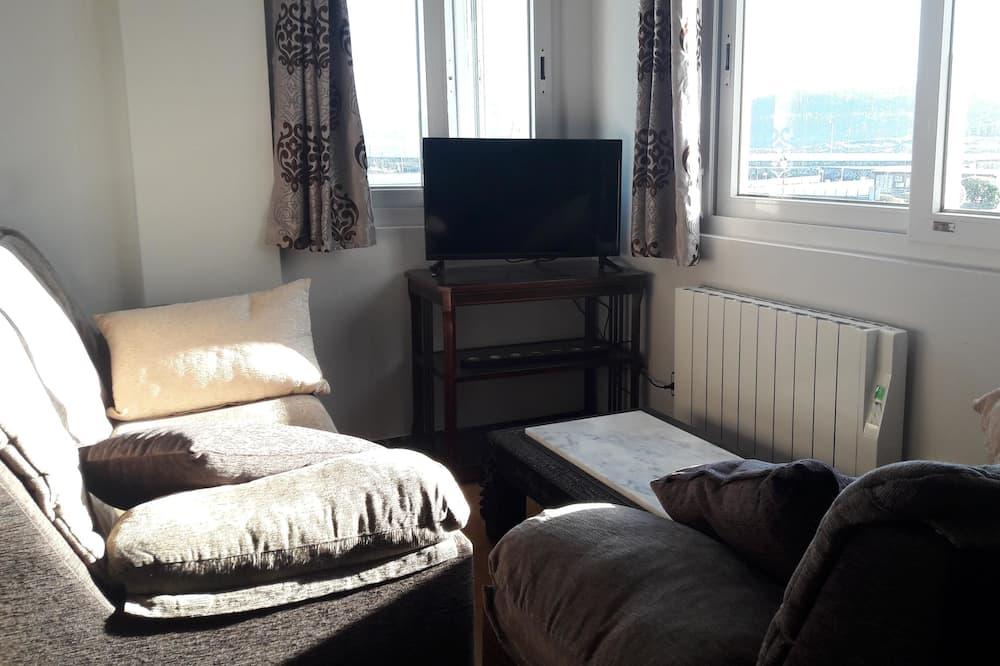 Classic Apartment, 2 Bedrooms, Sea View - Ruang Tamu
