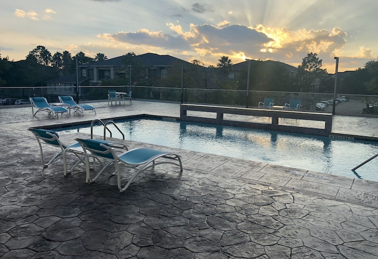 Holiday Inn Express and Suites Houston Westchase - Westheimer, Houston, Outdoor Pool