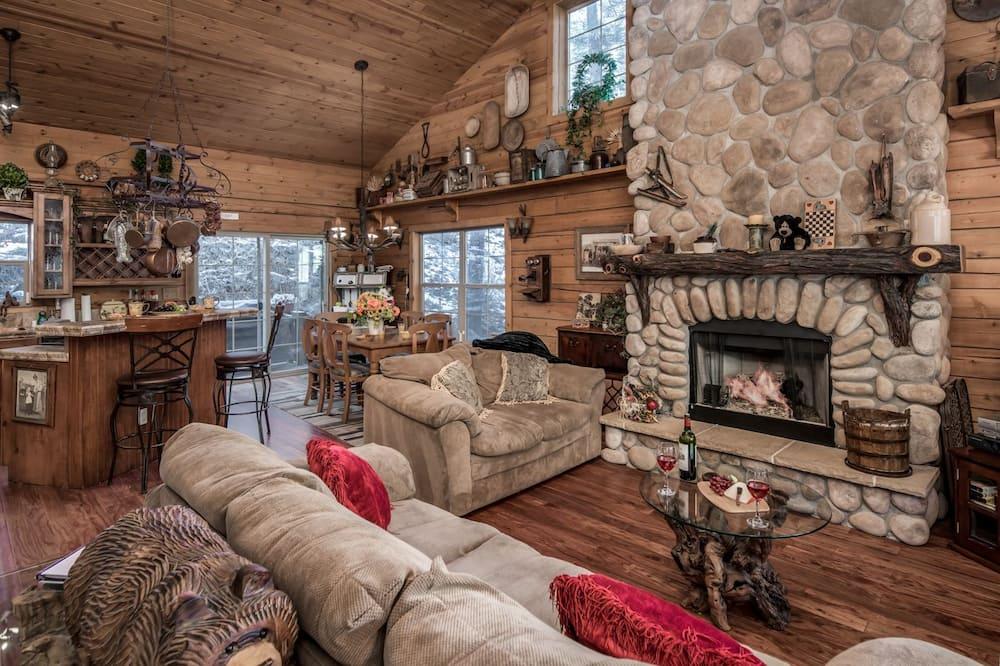 Cabin, 4 Bedrooms, Hot Tub, View - Ruang Tamu