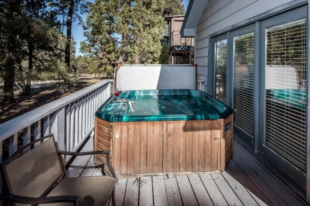 Cabin, 3 Bedrooms, Fireplace, View - Outdoor Spa Tub