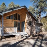 Cabin, 3 Bedrooms, Fireplace, View - Front of property