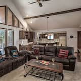 Cabin, 3 Bedrooms, Fireplace, View - Living Area