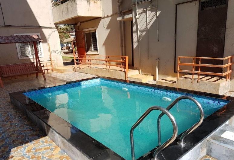 Silver Oak Villa, Mahabaleshwar, 1 Bedroom Suite, Guest Room