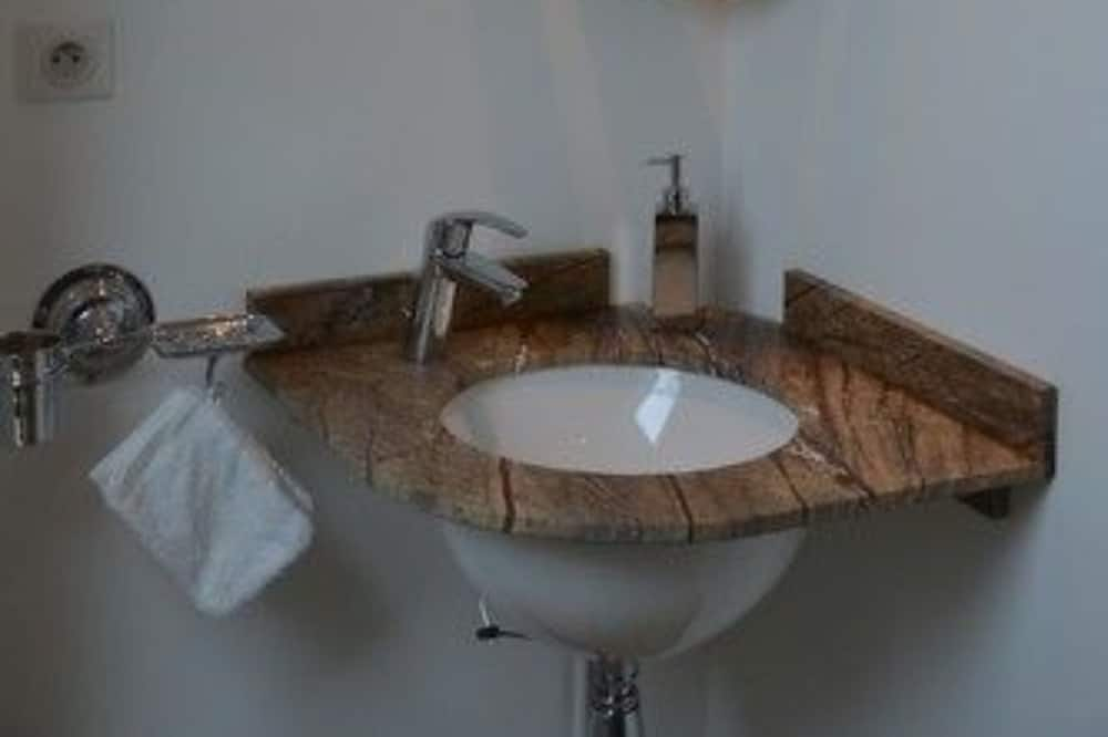 Pokoj (Madeleine) - Koupelna