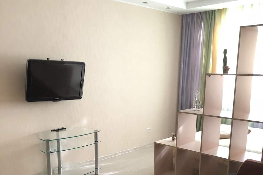 Comfort Apartment, 1 Queen Bed, Park View - Living Area