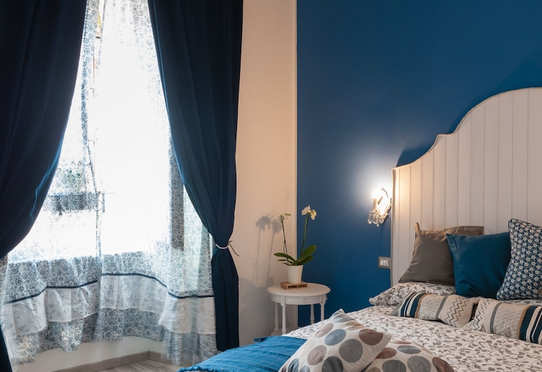 Isabel Guest House, Rome, Luxury Triple Room, Guest Room