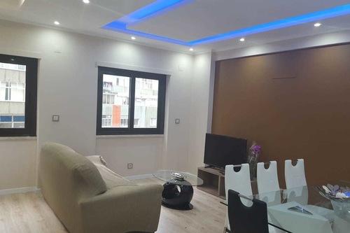 舒適龐蒂尼亞公寓飯店/