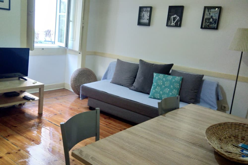 Traditional Apartment, 2 Bedrooms, Balcony - Living Area