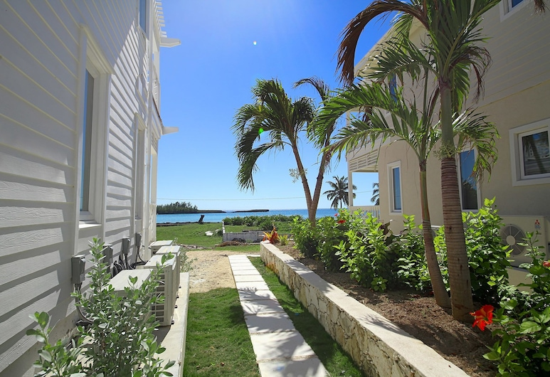 Anchor Point Apartments, Governor's Harbour, Property Grounds