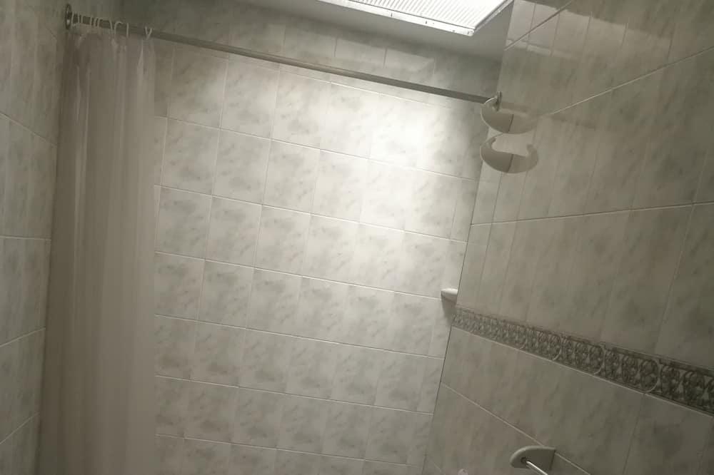 Dvojlôžková izba typu Basic pre 1 osobu, 1 spálňa - Kúpeľňa