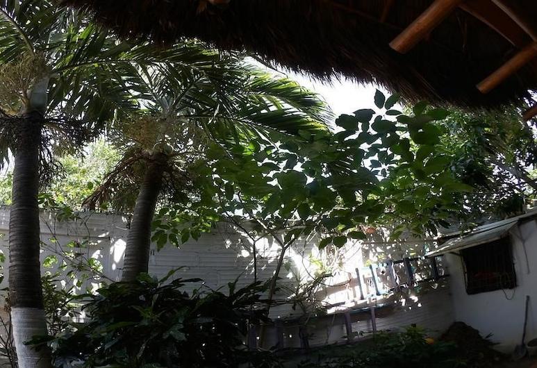 Hostal Backpackers Villa Karejo, Puerto Colombia, Garden