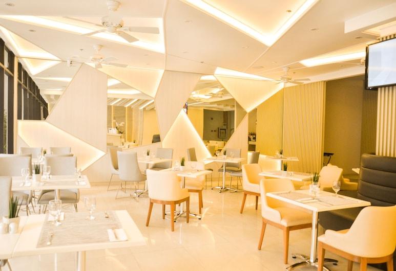 Aura One Hotel, Baguio, Lobby Sitting Area