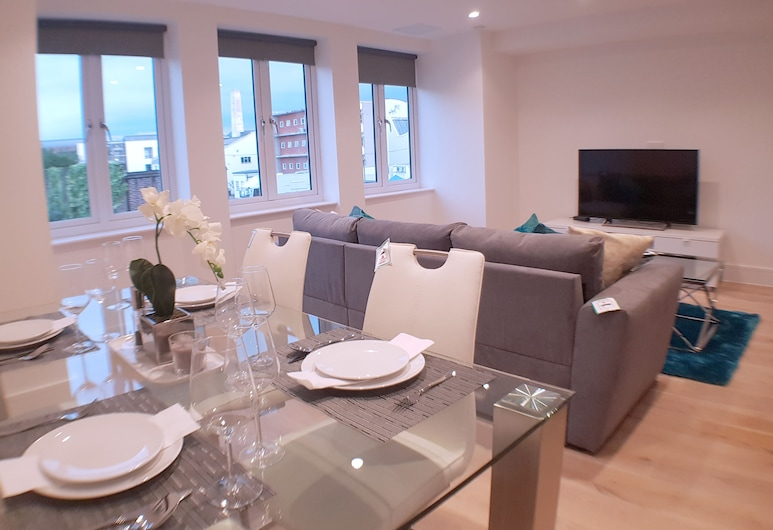 Northside Apartments Ealing, London, Apartment, 2 Bedrooms, Living Room