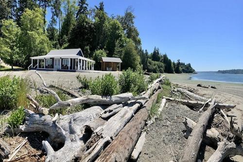 driftwood Island Retreat