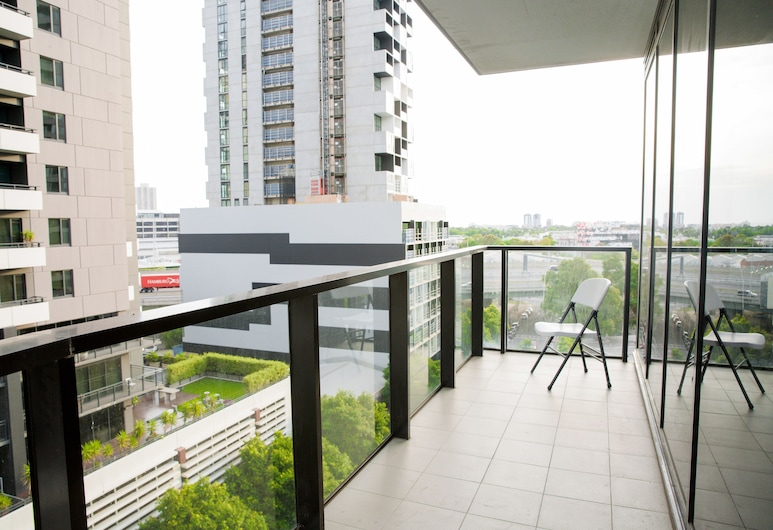 Southbank 2 Bedrooms Apt Next to Crown, סאות'בנק, דירה משפחתית, 2 חדרי שינה, גישה לבריכה, מרפסת