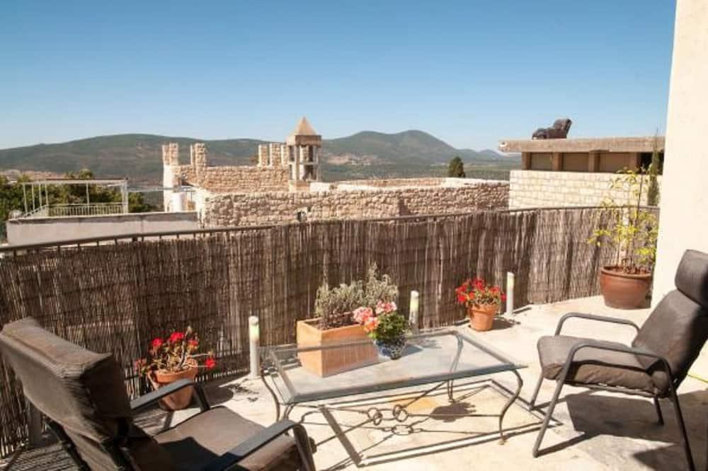 Standard Süit (Mountain View) - Balkon