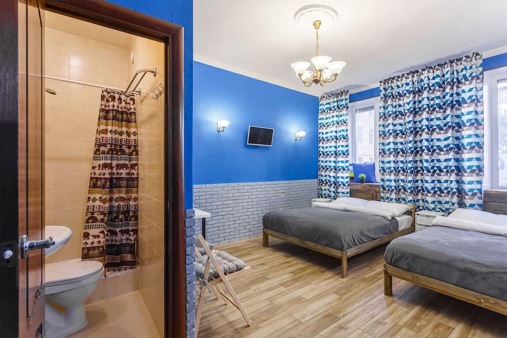 スタンダード 4 人部屋 ダブルベッド 2 台 - 客室