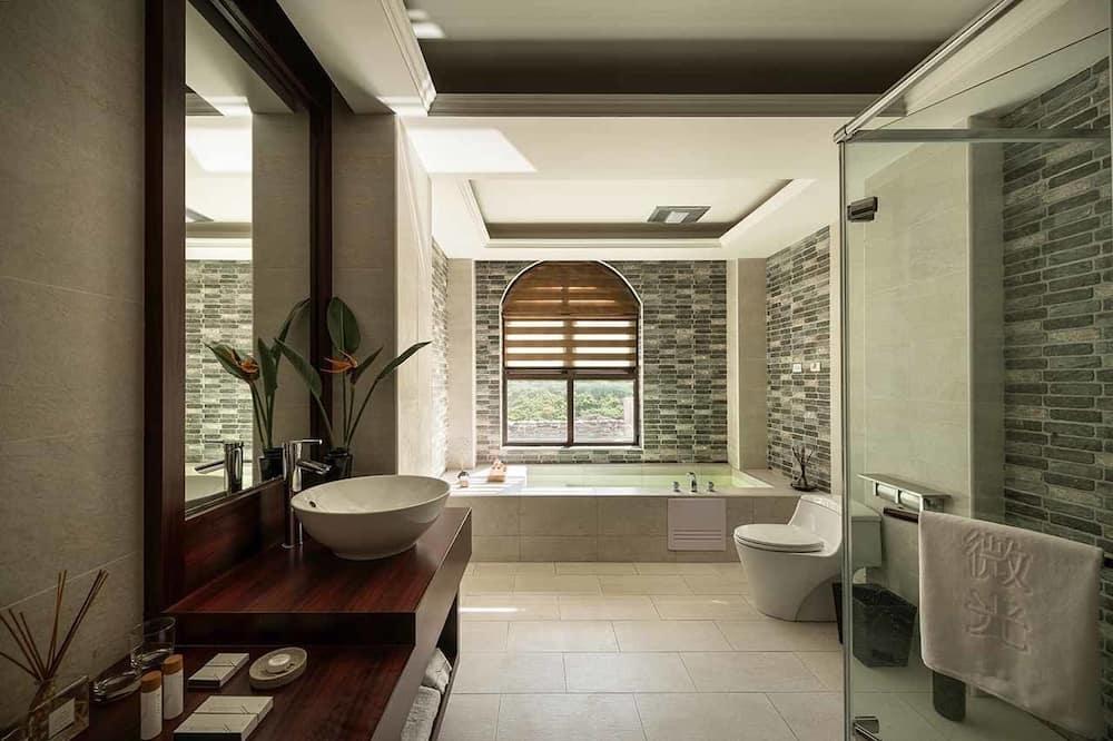 Luxury Double Room, 1 King Bed - Bathroom
