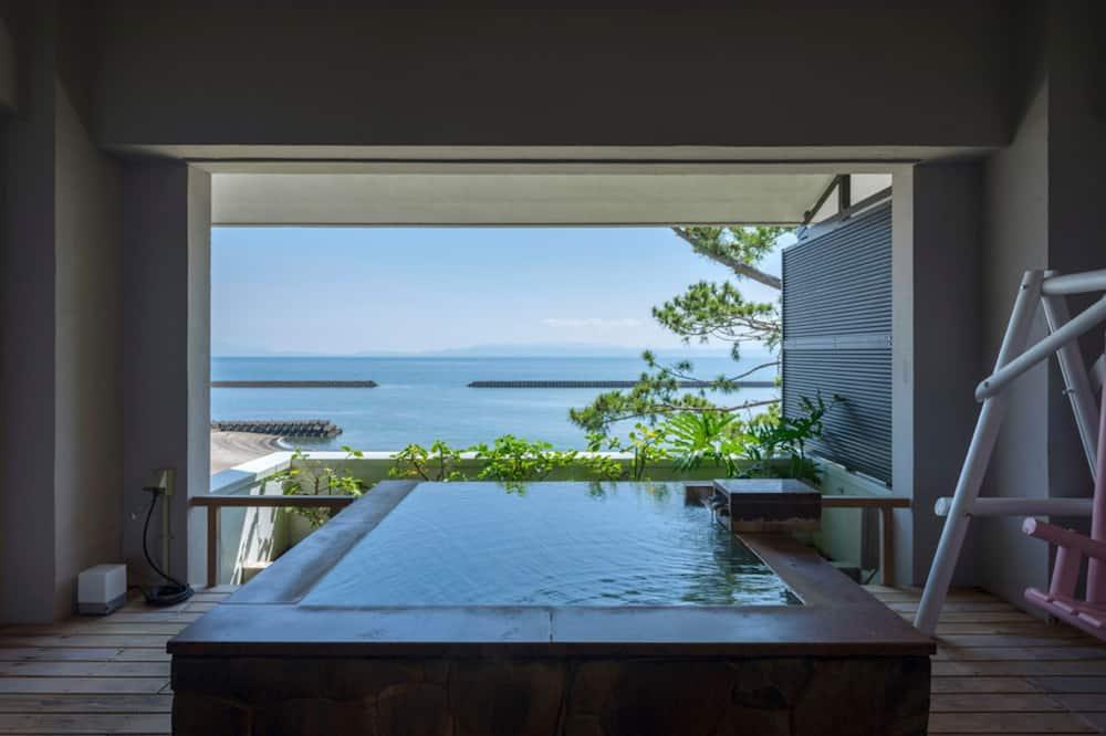 Tweepersoonskamer (W/ Private Air Hot Spring Bath) - Uitzicht vanaf kamer