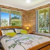 Economy Studio Suite, 1 Queen Bed with Sofa bed, Garden View - Room
