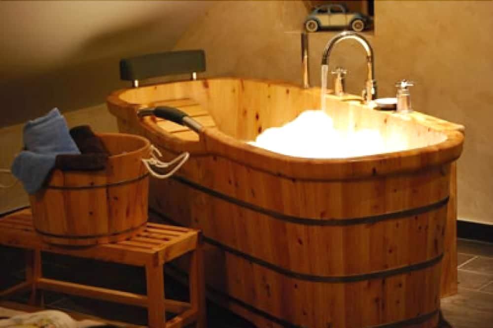 Phòng đôi phong cách cổ điển (Oncle Alfred) - Phòng tắm