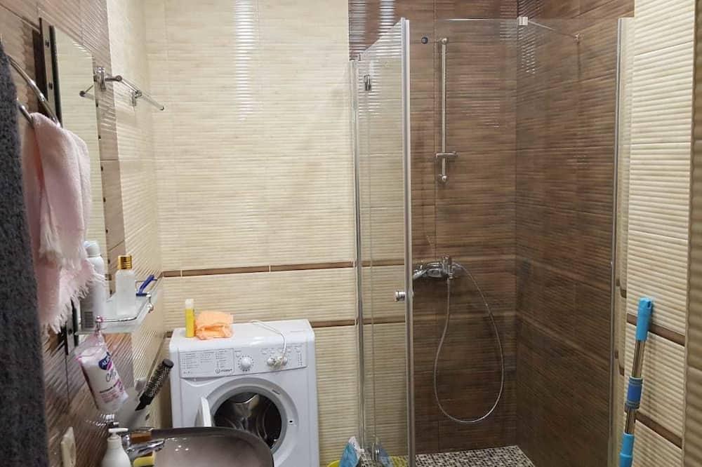 Studio - Bathroom