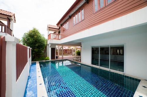 奈楊海灘私人游泳池別墅飯店/