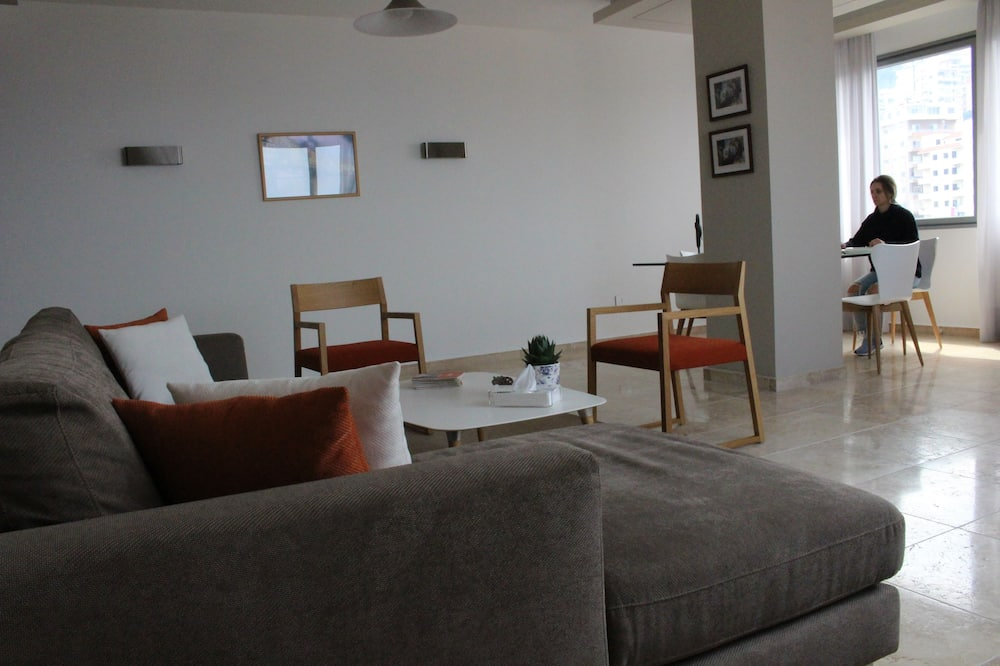 Two bedrooms apartment with terrace - Sala de Estar