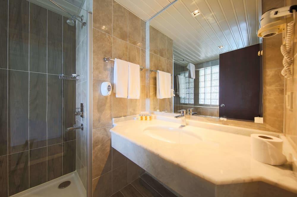 Standard Room, City View - Bilik mandi