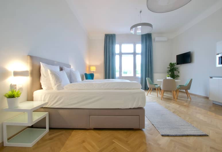EuroPest Luxury Suites, Budapest, Premium Studio Apartment with balcony and City Park view (K23), Room