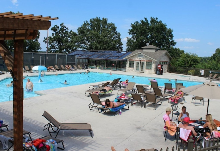 Indoor Outdoor Pools Hot Tub Free Wifi Close To The Strip Pointe Royale #1012814 2 Bedroom Condo, Branson, Outdoor Pool