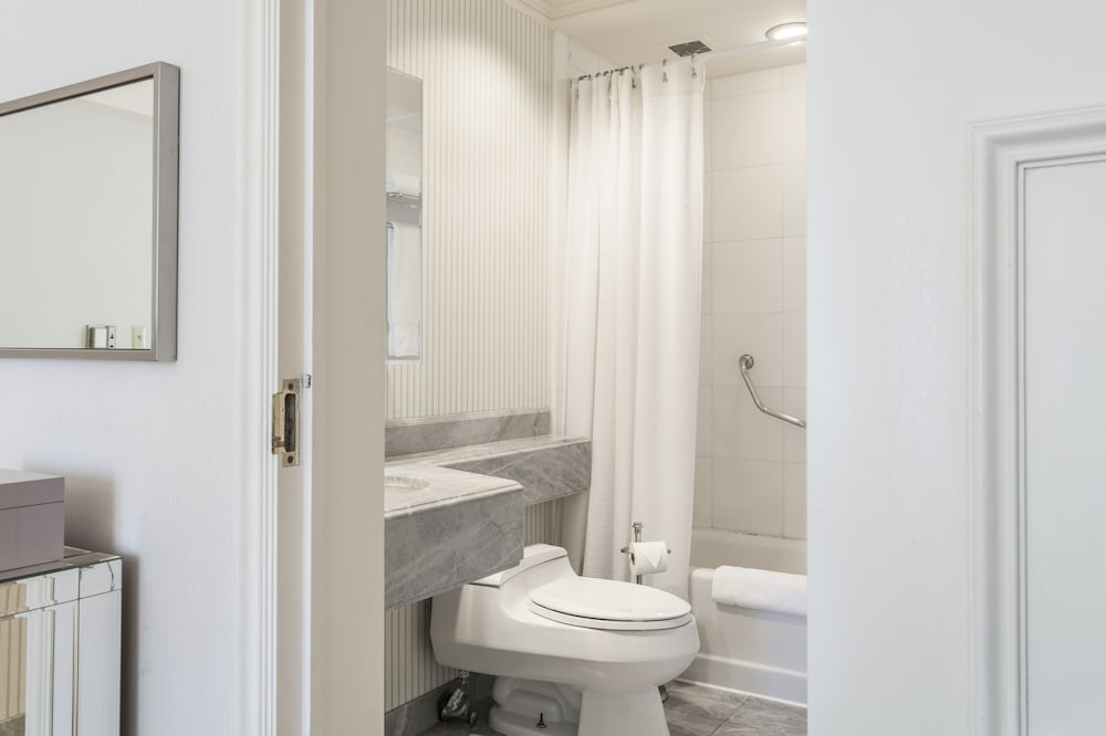 Central Park South Apartment 48 48 Bedrooms 48 Bathrooms Apts Mesmerizing Central Park Bathrooms