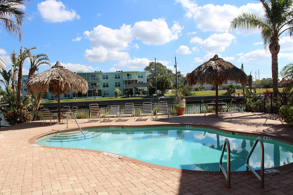 คอนโด, 2 ห้องนอน, ใช้สระว่ายน้ำได้, ริมทะเล - สระว่ายน้ำกลางแจ้ง